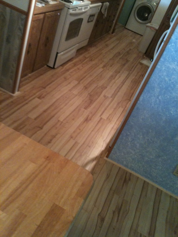 Laminate flooring laminate flooring closeout prices for Laminate flooring outlet